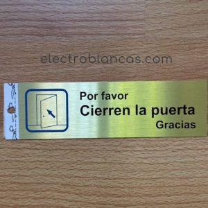 placa adhesiva CIERREN LA PUERTA - electroblancas