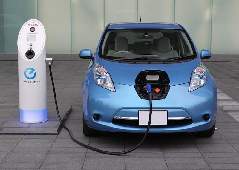 auto-electrico-azul - electroblancas